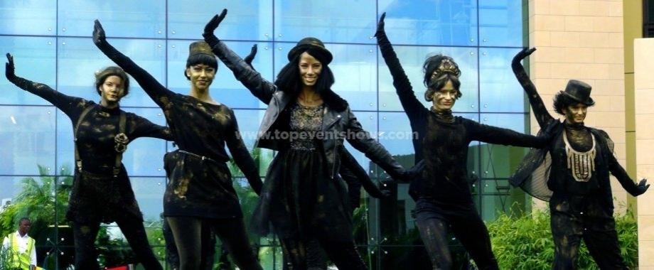 metro-travelers-bronze-costume