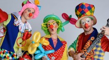 Stilt Clowns Trio